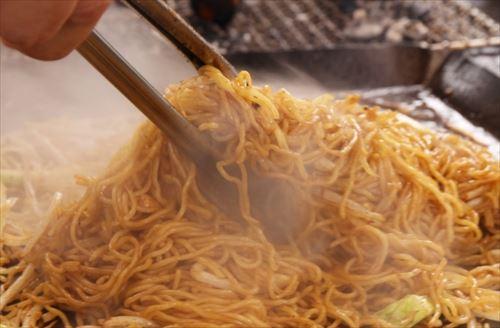 富士宮で人気を得ている美味しい「富士宮焼きそば」のレシピの秘密